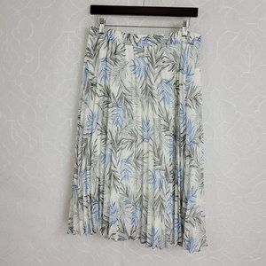 A New Day Women's Pleated Palm Print Skirt Sz. L